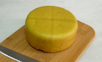 Cómo hacer queso de kéfir curado